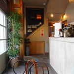 SLOW - 1階コーヒースタンド