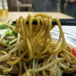 尼崎焼そばセンター - モチモチの自家製釜茹で麺が旨い