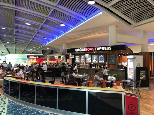 Trib's Cafe - ケアンズ国際空港...