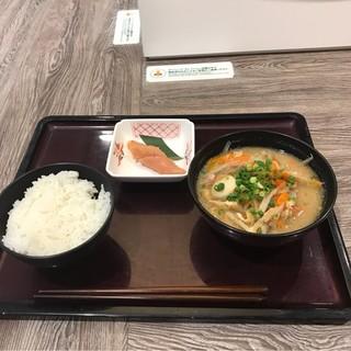 やまや食堂 ラゾーナ川崎プラザ店 - 博多めんたい定食セット。 税込740円。 美味し。