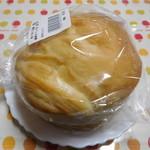 窯焼きパンの店 酪 - バニラミルクロール¥390-