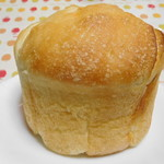 窯焼きパンの店 酪 - カサもあります