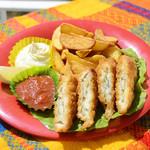 ハンモックカフェ ラ・イスラ - 揚げたてサクサクのお魚とポテトがビールのおつまみに大人気!