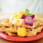 ハンモックカフェ ラ・イスラ - 揚げたてのメキシカンナチョスと、マンゴー果肉とアイスのコラボレーション!