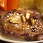 牛山精肉店 - 肉汁がすごい