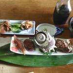 山桃茶屋 - 料理写真:漬物、前菜等