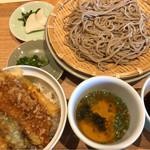 五萬石 - 新蕎麦と穴子天丼のセット