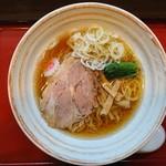 麺屋 むどう - 2017年10月 魚介しょうゆ+チャーシュー(厚切り) 730+300円