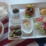 ネイチャー カフェ エムズ ネスト - 日替わり定食