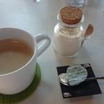 ネイチャー カフェ エムズ ネスト - 甜菜のお砂糖(料理にも使われています。)