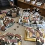 児玉久美菓子製作 - 料理写真:メインテーブルの焼き菓子たち(2017.10.9)