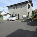 博陽軒 - 奥の駐車場は6台置けます