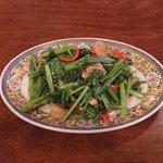 TAWAN RUNG - エビとタイ野菜の炒めもの