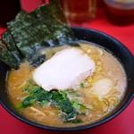 杉田家 - 並ラーメン¥670+麺少なめ(味玉)