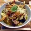 箸とレンゲ - 料理写真:「ぶどう山椒麻婆麺(M)」972円也。税込。