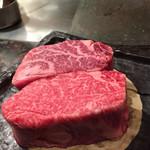 鉄板焼いいさいいさ - 二種類のヒレ肉