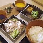 Sashakanetanaka - 厚切り牛すき焼き ご飯×三元豚しゃぶご飯(¥2.8千円コース)