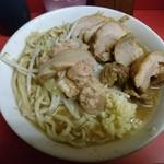 ラーメン二郎 - 十五度目:全体的に美味。三谷さん作としては豚も普段より多めか?