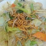 74492699 - ボリューミーな野菜餡と太麺!