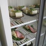 みなと食堂 - 冷蔵庫の料理
