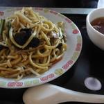 横濱一品香 - 料理写真:上海やきそば