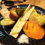 ユルイヤ - 焼き野菜の盛り合わせ。