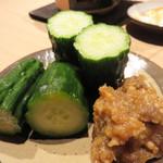 ユルイヤ - きゅうりのピリ辛味噌。