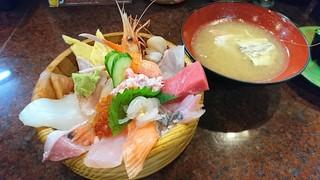 近江町市場寿し - 大名丼(あら汁付き)