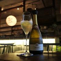 ワインとくつろぐ ツキアカリ-NV Cremant d'Alsace Cuvee Prestige