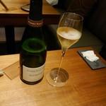 74508821 - まずはシャンパンで乾杯