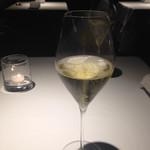 74509185 - 乾杯のスパークリング