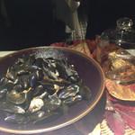 74509190 - モンサンミッシェル産ムール貝のワイン蒸し