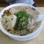 74509854 - ワンタン麺(778円)