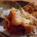 74511289 - 秋鮭と白舞茸、三つ葉のかき揚げ