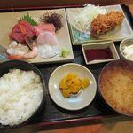魚乙 - 料理写真:刺身定食[グラタンコロッケ付](2017/10/06撮影)