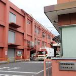 名糖産業 - 名糖産業名古屋工場(チョコを意識した外壁の色)