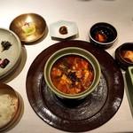 74518409 - 山菜ユッケジャン(熟成キムチ 韓国漬け物とともに)