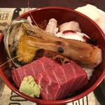 うなぎ 米花 - 海鮮丼:マグロが最高に美味い