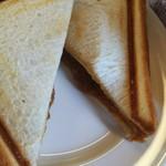 カフェ カプチーノ - カレー&チーズ