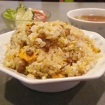 中国民菜 萬天 - 多い様に見えるが普通の盛りの少し多いぐらいだ