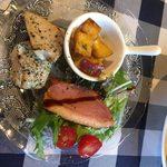 お肉×チーズAmbiente - ラクレットチーズセットランチの前菜