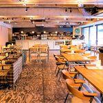 Green Cafe 川の駅 - おしゃれな店内は取材も多い