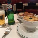 オー バカナル - オニオンスープ。旨味がなんか普通