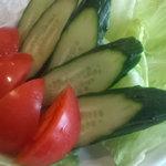 香房 やまぶどう - 野菜が大きいサラダ