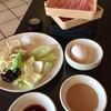 しゃぶ葉 - 料理写真:お肉と野菜バイキングの野菜。タレはゴマだれとポン酢。