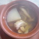 Chuugokuryourikujikuji - 大根、鶏肉、きのこ、大豆、枸杞の実