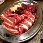 馬焼肉酒場 馬太郎 - わんこ焼肉最初のセット