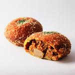 ル・クロワッサン - 料理写真:自家製とろ~り牛肉入りカレーパン