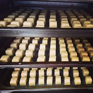 クッキーは全て店内で手作りしています。