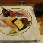 宵月・鮨ダイニング - 上にぎり御膳 にぎり八貫 味噌汁
